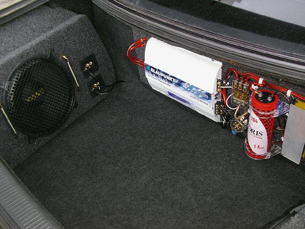 Установка и подключение автомобильного сабвуфера.