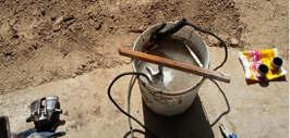 Очищаем суппорта методом электролиз в гараже