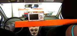 Монтаж видеокамеры в салоне автомобиля