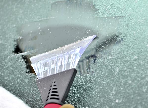 Как предотвратить замерзание стекол в автомобиле?