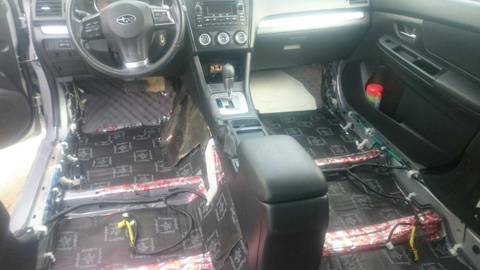 """Шумовиброизоляция материалами """"Comfort mat"""" Subaru XV."""