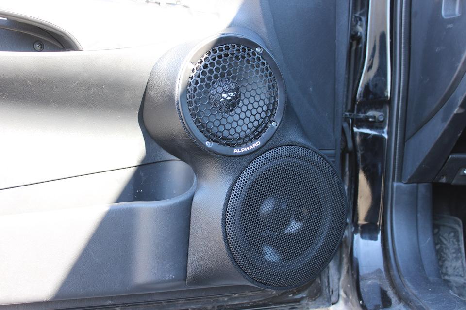 Трёхполосный фронт + сабвуфер в Hyundai Tucson своими руками.