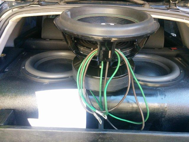 Как подключить сабвуфер с одной и двумя катушками к усилителю. Схема подключения.