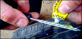 Как правильно отремонтировать прокол колеса покупным набором