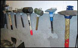 Держатели для инструментов в гараж
