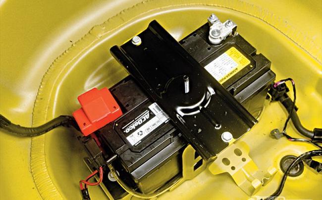 Установка дополнительного аккумулятора в багажник своими руками.