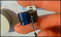 Простейший стабилизатор напряжения для ДХО на базе L7812