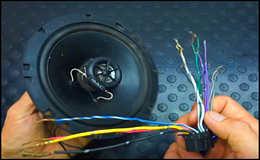 Как подключить автомагнитолу, назначение проводов.