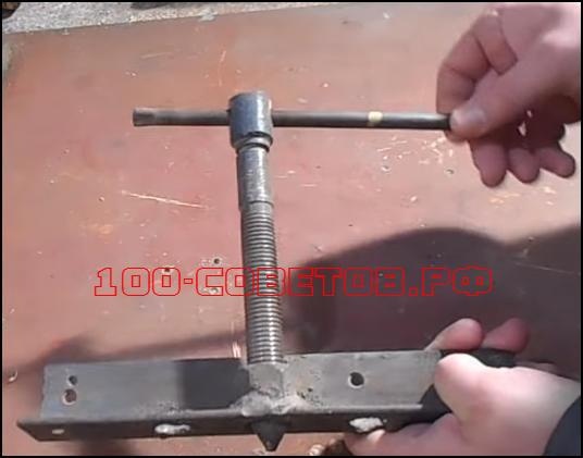 Как сделать простой съемник заднего тормозного барабана?