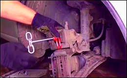 Простая и нужная самоделка для авто из старых тормозных колодок