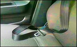 Как и чем помыть ремень безопасности в автомобиле?